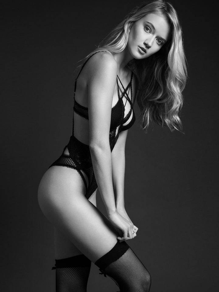 sexy-lingerie-model.jpg