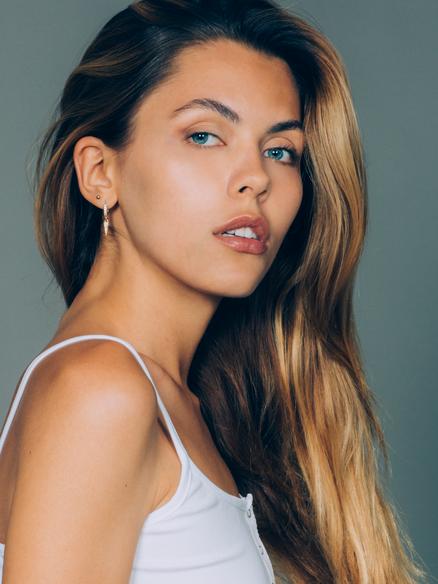 Ukrainian  Model Elizabeth Marochok