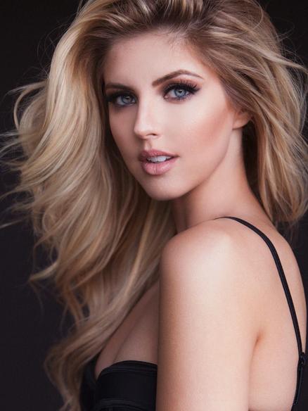 Brooke Miller model photo