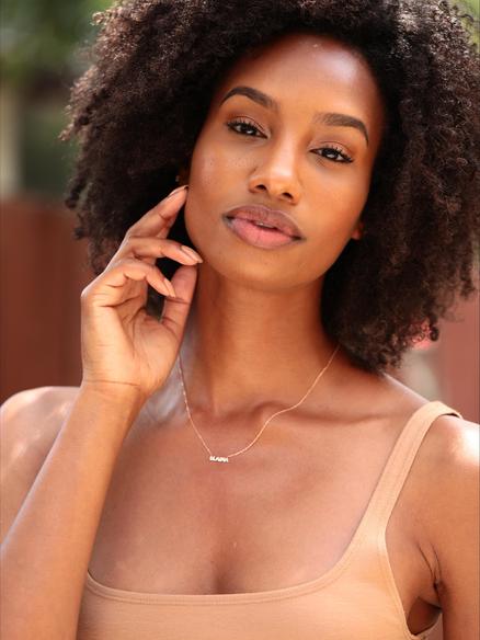 Model Elaina Williams