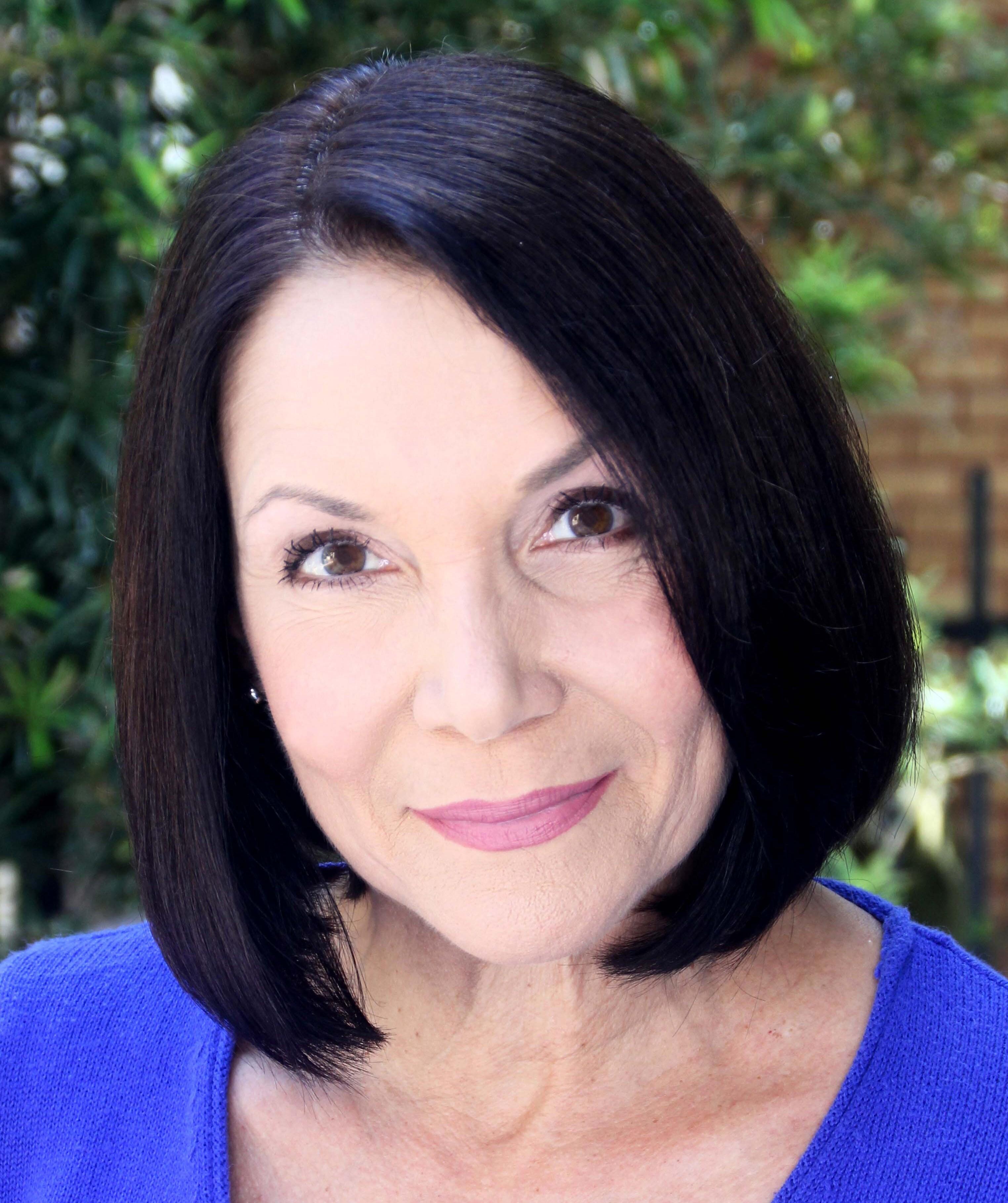 Lisa Scott Film and Television Headshot 2020.jpg