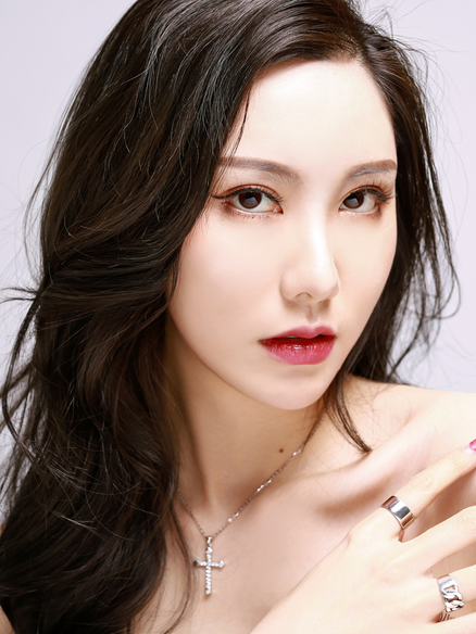 Chinese Model Shanshan Lu