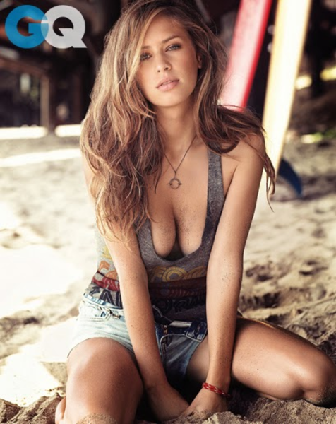 1387220736717_dylan-penn-gq-magazine-january-2014-women-01.jpg