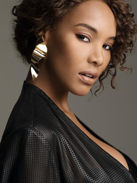 Model Latasha Harris