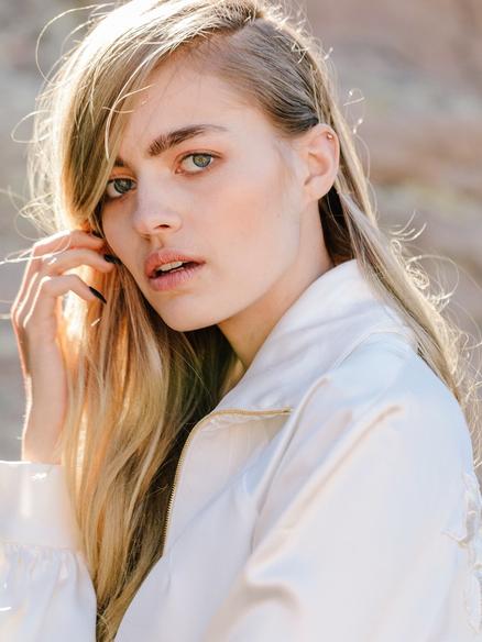 Blonde Model Hannah Dannelly