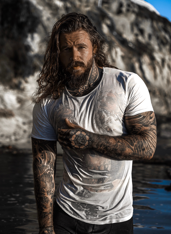 Male Tattooed Actor Kevin Creekman
