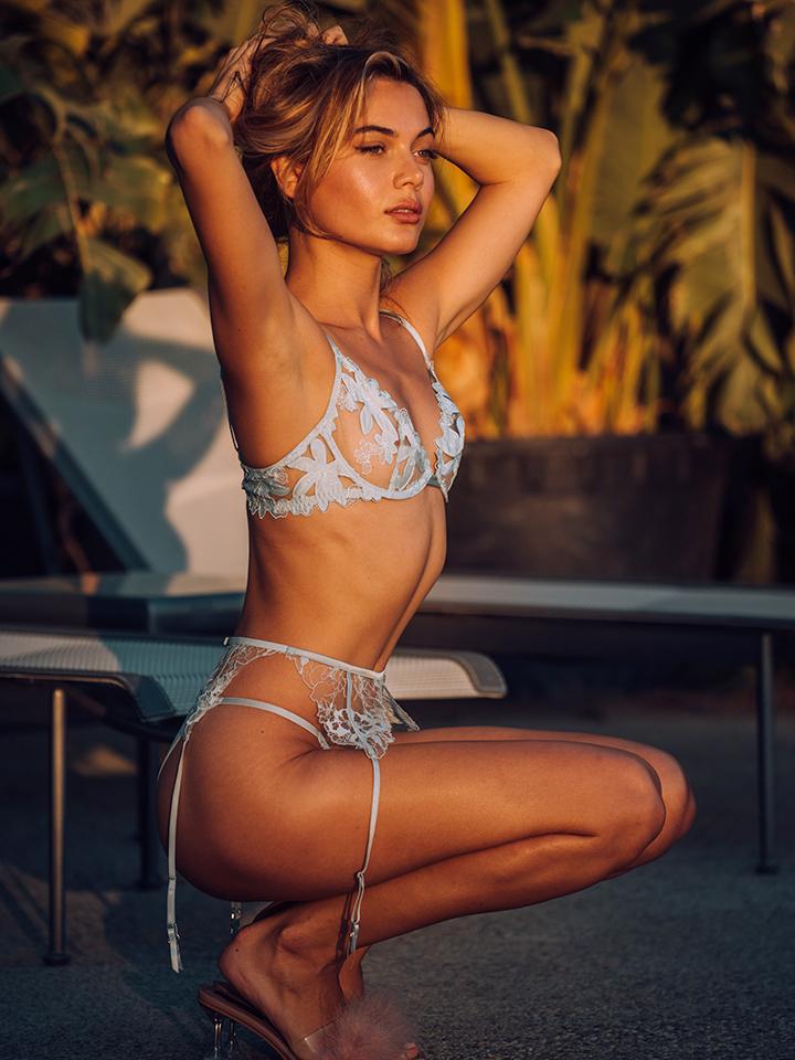 lingerie-model-photo.jpg